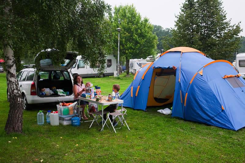 Молодые в палатке за деньги фото 330-386